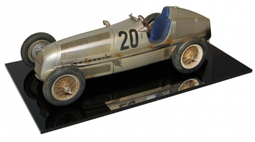 CMC M-147 - Mercedes Benz W25 Dirty Hero 1934 1:18